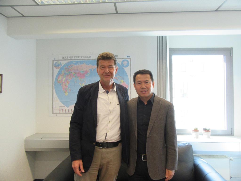 Der Generalvertreter der Chinesischen Bahn (CR), Dezhan Wang und der IBS-Vorstand vereinbarten einen künftigen, intensiven Dialog zur Entwicklung der Verkehre über die Seidenstraße